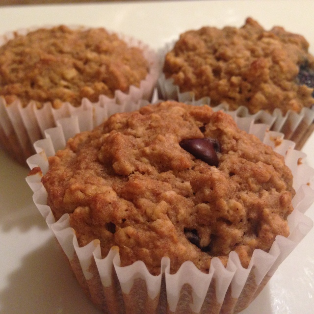 Applesauce Oatmeal Muffins with Dark Chocolate Chips